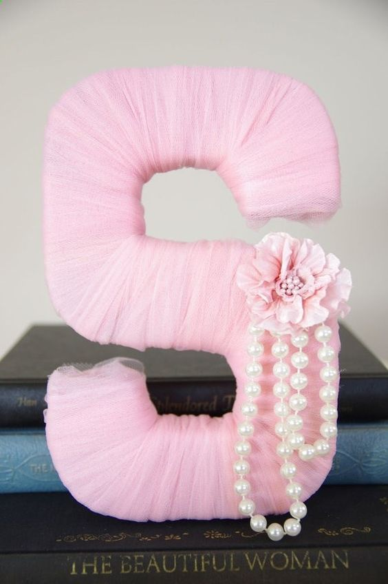 Pink nursery ideas: this beautiful do-it-yourself letter is simple and chic